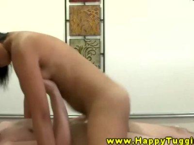 Asiansex masseur rides and sucks his cock
